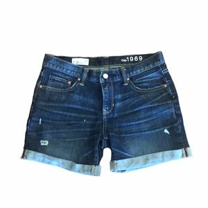 Gap 1969 boyfriend denim jean shorts size 26